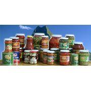 Консервированные овощи выпускаются в виде натуральных закусочных обеденных консервов соков соусов маринованной продукции диетических консервов и консервов для детского питания. фото