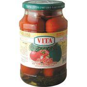 Ассорти из томатов и перцев фото