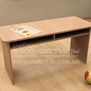 Мебель детская. Столик детский с полочками фото