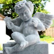 Мраморная скульптура ангелочка фото