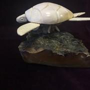 Скульптурная композиция Морская черепаха, резная кость фото
