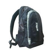 Рюкза́к — специализированная сумка для переноски на спине снаряжения продуктов питания личных вещей и т. п. Снабжён двумя лямками. При ношении рюкзака нагрузка ложится на плечи и спину а руки остаются свободными. фото