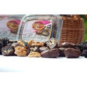 Чернослив с грецким орехом в шоколаде фото