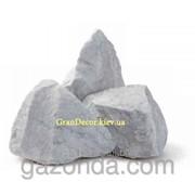 Натуральный камень колотый белый Каррара 30-40 мм фото