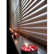 Жалюзи горизонтальные и вертикальные рулонные шторы роллеты защитные. фото