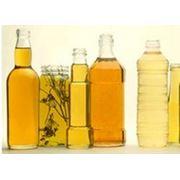 Масло подсолнечное нерафинированное - одно из важнейших растительных масел имеющее большое народно-хозяйственное значение. Оно используется в основном в пищу а также для производства маргарина и кулинарных жиров. фото