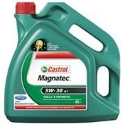 Синтетическое моторное масло Castrol фото
