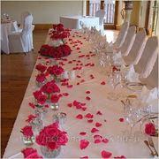 Свадебная одежда на стол и стулья на прокат фото