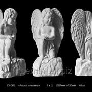 "Скульптура ""Ангел на камне"" фото"