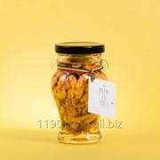 Мед с орехами фото