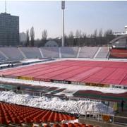Подготовка футбольного газона к зиме фото