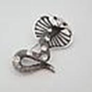 100(11) Брошь красавица кобра со стразами серебряная фото