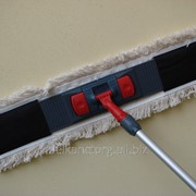Швабра плоская для мытья полов с насадной и держателем шириной 80 см. фото