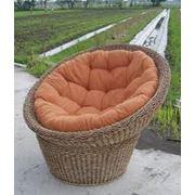 Плетеное кресло из ротанга фото