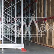 Разнообразие стеллажей для складов. фото