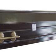 Гроб черный. фото