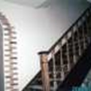 Лестницы деревянные из ясеня, деревянные лестницы межэтажные, лестницы деревянные для домов, столярные изделия из ясеня, производство, продажа фото