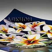 Стеклянная тарелка Белые Лилии фото