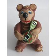 Скульптура из бетона Медведь - музыкант фото