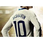 Печать футбольных номеров и фамилий на футбольной форме нанесение номеров на спортивную одежду фото