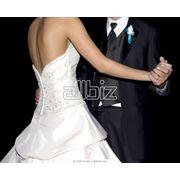 Платья свадебные костюмы свадебные манто свадебные болеро свадебные фото