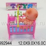 Кукла в кроватке В992944 фото