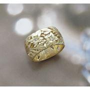 Широкое кольцо (10мм) из золота с бриллиантами. фото