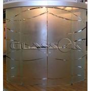 Стеклянные перегородки: стеклянные перегородки для дома; стеклянные торговые перегородки; стеклянные перегородки для офиса; стеклянные раздвижные перегородки; раздвижные межкомнатные перегородки и др. фото
