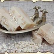 Натуральное мыло Овсяно медовый скраб фото