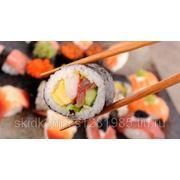 Любые роллы или ассорти из роллов со скидкой 50% от службы доставки японской кухни «Нори». фото