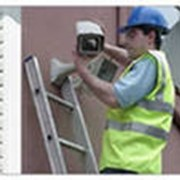 Обслуживание систем видеонаблюдения Установка систем видеонаблюдения (монтаж, настройка оборудования) Гарантийное и послегарантийное обслуживание фото