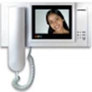 Видеодомофоны: черно-белые, цветные, вызывные панели фото