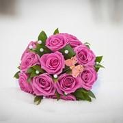 Наши услуги свадебной флористики: букет невесты, свадебные букеты, свадебное оформление, оформление помещений, оформление автомобилей, бутоньерка жениха и гостей фото