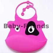 Слюнявчик пластиковый Коровка (розовый) фото