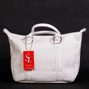 Компактная матовая белоснежная сумочка фото