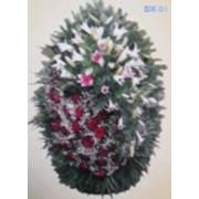 Венки из живых цветов фото