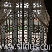 Защитные раздвижные решетки SLIDYS/СЛАЙДИС фото