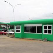 Здание кафе придорожного сервиса фото