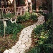 Элементы ландшафтного дизайна своими руками. Форма для заливки садовых дорожек «Моя Дорожка». фото