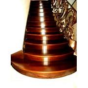 Деревянные ступени,балясины,деревянная мебель фото