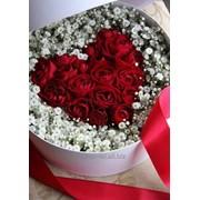 Розы-сердце в гипсофиле фото