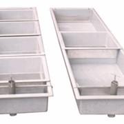 Лоточные инкубационные аппараты из стеклопластика, перфорированной жести из алюминия или нержавеющей стали и труб ПХВ. фото