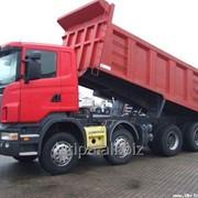 Перевозки грузов самосвалами, средне- и крупнотоннажным автотранспортом грузоподъемностью до 50 тонн фото