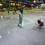 Работы по устройству напольных покрытий складских, административных и производственных помещений фото
