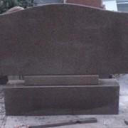 Памятник из гранита куртинского месторождения фото