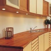 Столешни для кухонь из дерева. фото