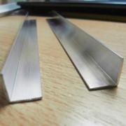 Уголки алюминиевые купить в Киеве, Цены на Уголки алюминиевые фото