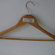 Плечики для одежды деревянные JH9708,р.52-54 фото