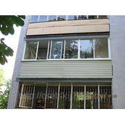 Наружная отделка балкона сайдингом. фото