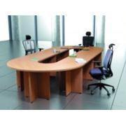 Мебель офисная - конференц-столы. фото